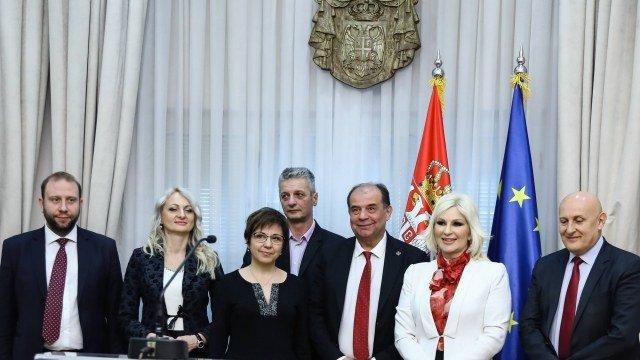 Užički i kruševački aerodromi 'Ponikve' i 'Rosulje' preneti u vlasništvo Republici Srbiji